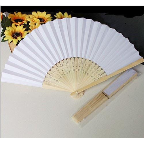 Abanico de madera de sándalo con papel tipo arroz
